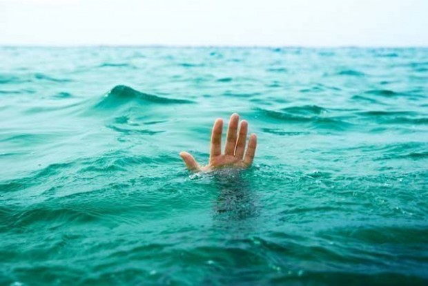 Морето, което в последните дни е изключително опасно, взе нова