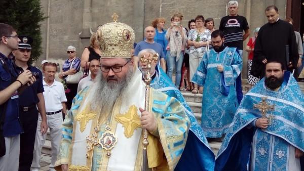 Точно в 9 ч. ще започне тържествената архиерейска Света литургия
