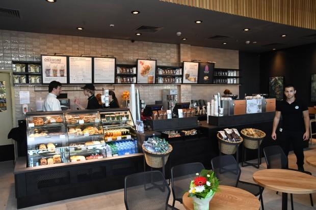 Световноизвестната кафе верига Starbucks®, представена в България от AmRest, откри
