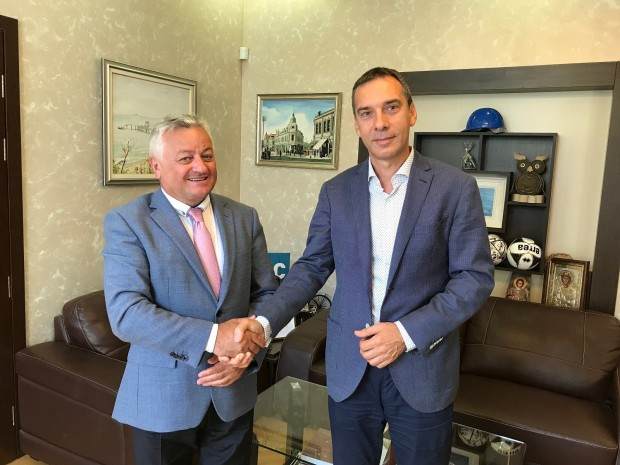 Да бъде открито почетно консулство на Република Молдова в Бургас.