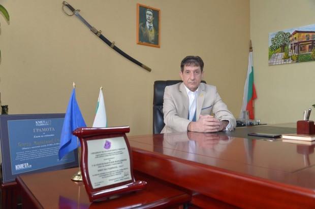 Кметът на Стамболийски излезе с гневен пост във Фейсбук за