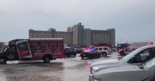 Най-малко 14 души бяха ранени и откарани в болница преди