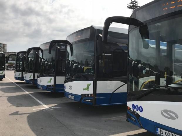 Те ще задължат всички колани в автобуси, които пътуват повече