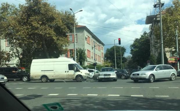 Отнето предимство предизвика катастрофа пред Механото, съобщи очевидец за Burgas24.bg.