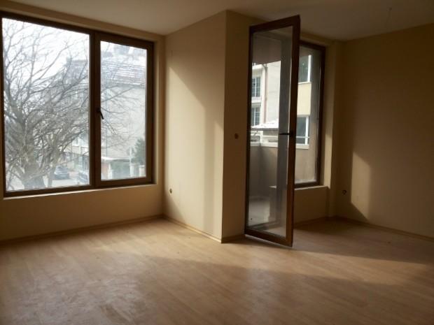 Сделките с имоти в София намаляват с 4,3% през второто