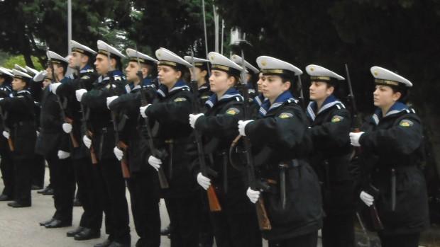 21 млади курсанти за ВМС, от които 14 младежи и