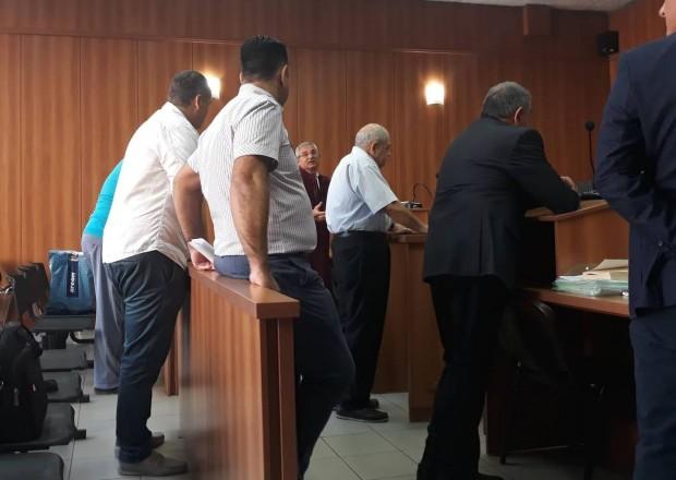 Защитата на обвинения в искане на подкуп професор от УХТ