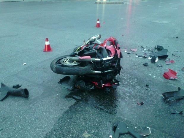 25-годишен моторист загина днес на пътя между Карлово и Сопот,