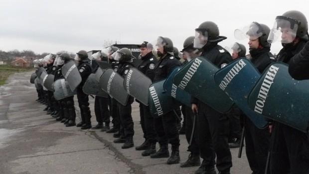 <div Полицията е предотвратила възникнали безредици и масово сбиване в