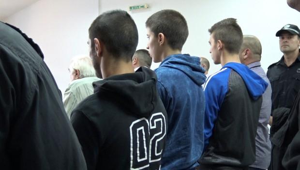 Пловдивският районен съд задържа под стража 44-годишния С.М. и 21-годишнияЮ.М,