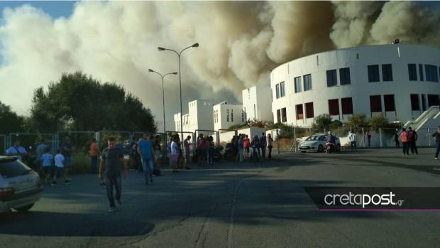 Сериозни усилия полагат пожарникарите на остров Крит, след като днес,