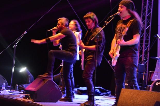 Два дни в благоевградското село Дъбрава звучаха най- новите хитове