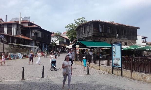 <div Българи търсят все по-скъпи вили и апартаменти край морето.