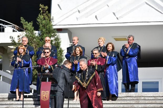 виж галерията Кметът на община Благоевград д-р Атанас Камбитов и ректорът