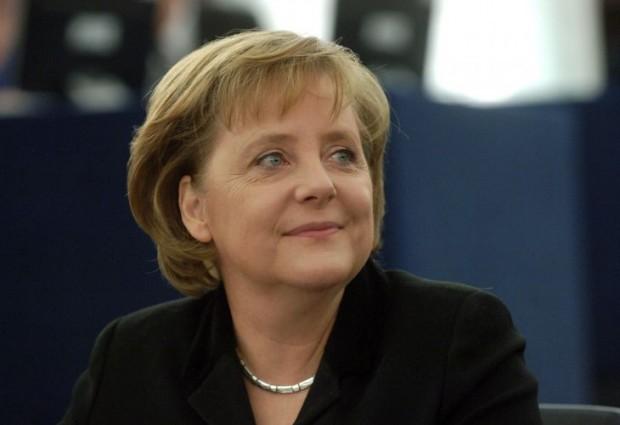 Германската канцлерка Ангела Меркел разкри, че е контрабандирала пари като