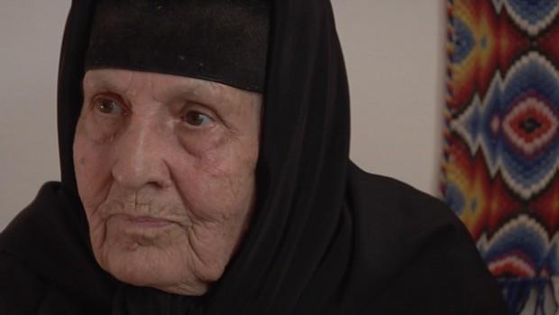 Злоупотребява ли игуменката на манастира