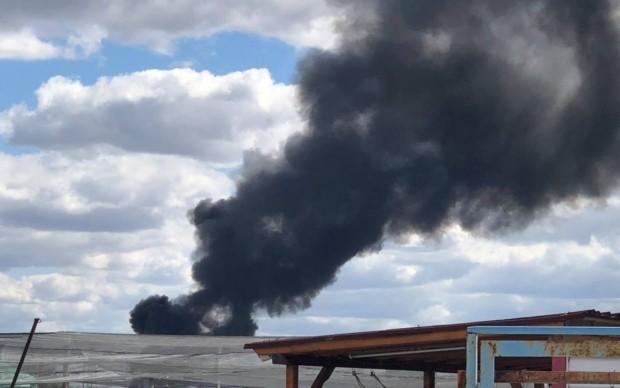 Камион гори на магистрала