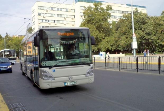 Автобусите по линии 22 и 66 от масовия вътрешноградски транспорт