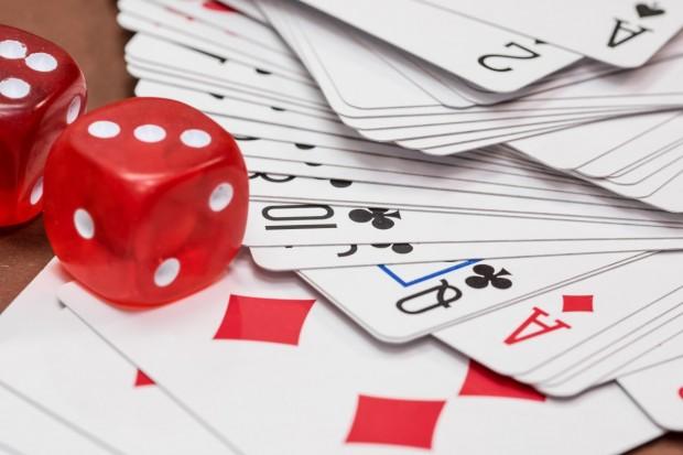 Игра на покер завърши с 12 шева на ануса за