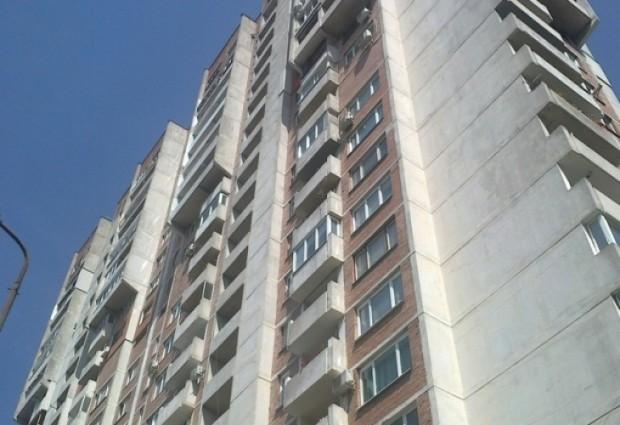 Русенец сложи край на живота си, като скочи от 14-етажнаблок8