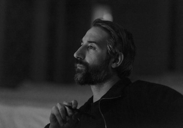Вижте какво разказва бургаският сценограф за изкуството, бизнеса и културатаПорт