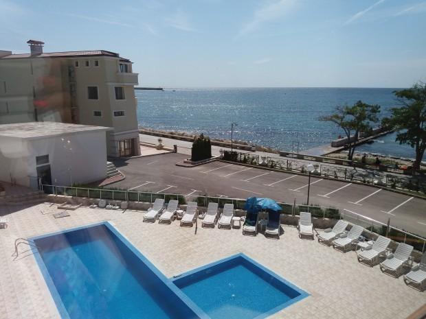 Апартамент /студио/ в хотел на крайморската алея в Балчик обявиха