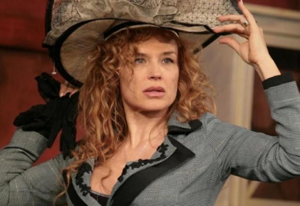 Неостаряващият секссимвол на родното киноАня Пенчева е в блестяща форма