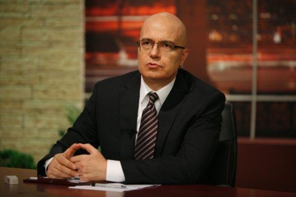 Американски писател иска да види най-добрия ни шоумен Слави Трифонов