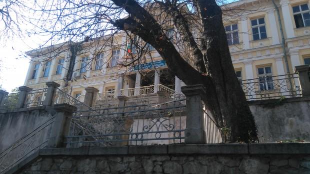 """Blagoevgrad24.bg > Мястото на неприятната ситуация""""Оказа се, че училището не може"""