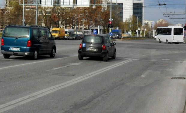 Поради преасфалтиране на кръстовището на бул.