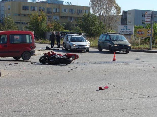 38-годишен моторист е пострадал при пътно произшествие около 16.10 часа