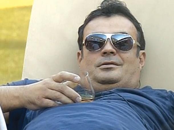 Болният от цироза Иван Ласкин продължава да е на легло