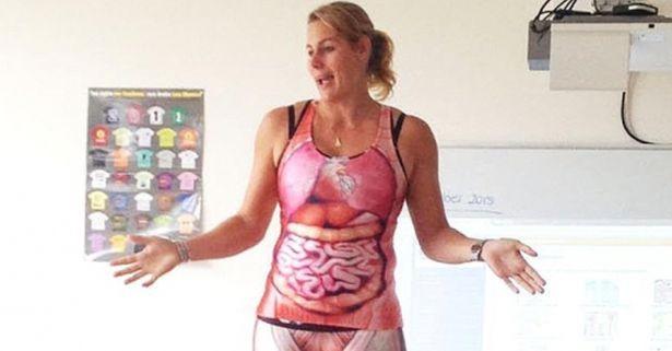 Снимка: Учителка по анатомия показа органите си на учениците по време на урок