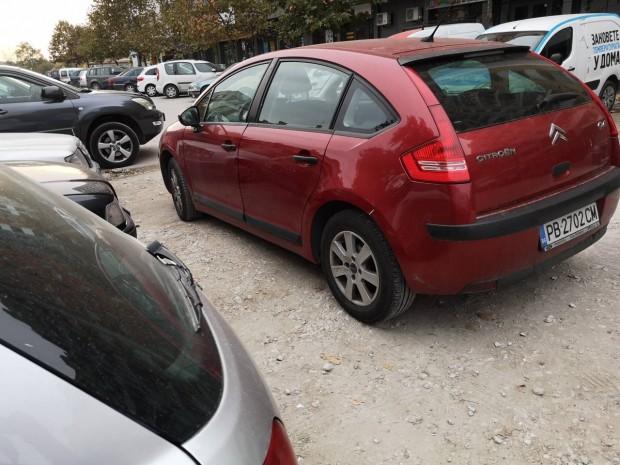 Безмозъчен шофьор на автомобил с пловдивска регистрация затапи три други