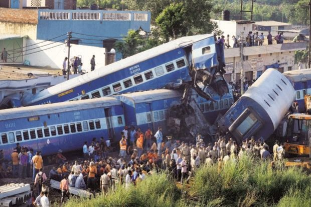 Най-малко 61 души са загинали и 72 са били ранени