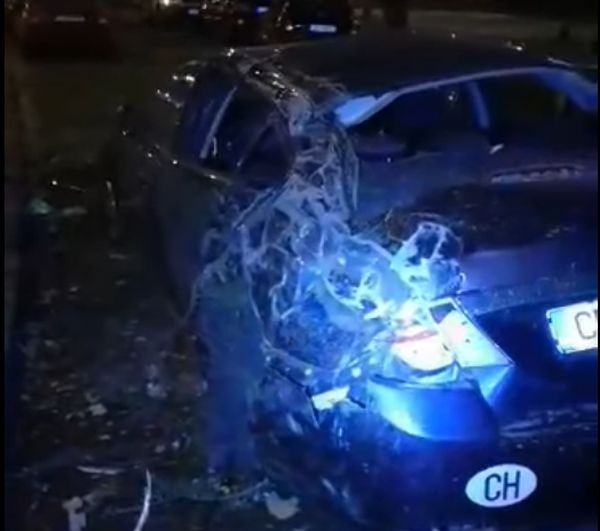 Фейсбук Дрогиран шофьор блъсна с колата си седем автомобила на излизане