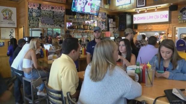 bTV Американец си поръча две бутилки вода в ресторант в Съединените