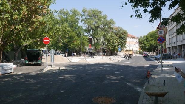 Недоволство срещу новия ред за паркиране в зоната около ДКЦI