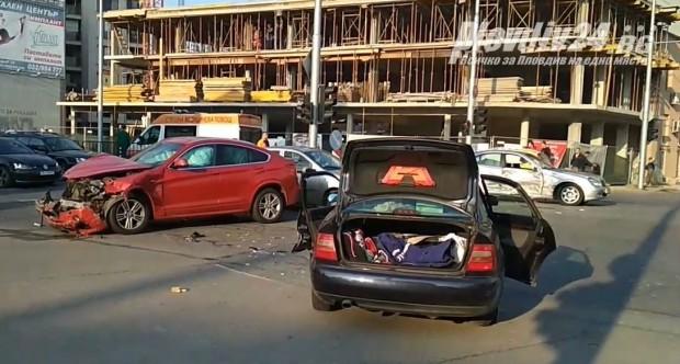 Екип на Plovdiv24.bg е на мястото на тежката катастрофа на