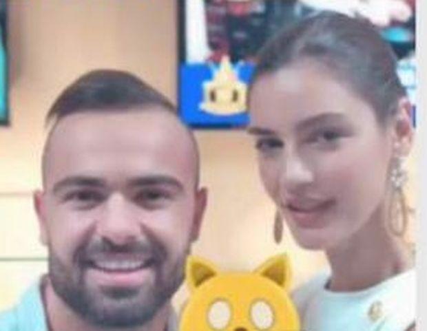 Фитнес инструкторът Ричард Величков и моделката Розмари Тишер, които се