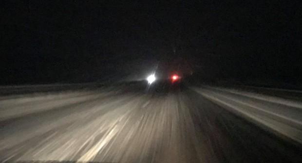 Силен снеговалеж на магистрала
