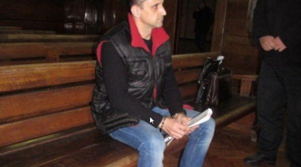 Учител от Русе бе изправен пред съда по обвинение в