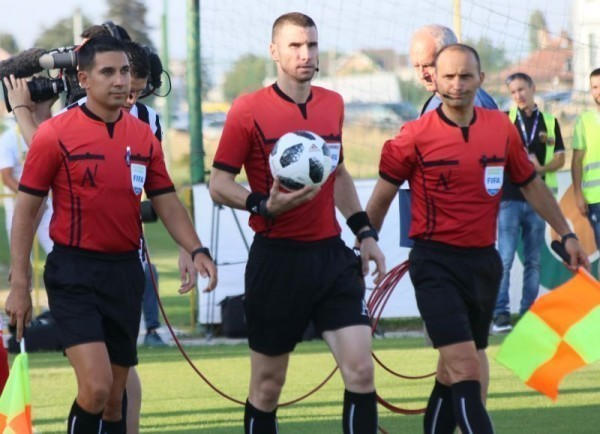 Най-добрите наши футболни рефери – Георги Кабаков, Мартин Маргаритов и