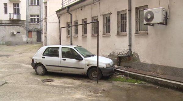 Куриозен случай в центъра на София – колата на съсед