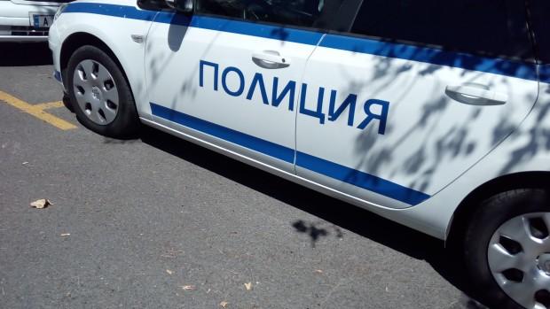 <div Вчера около 00.00 часа в Черноморец, служители от Районно
