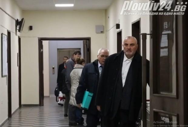 Делото срещу бившия шеф на КОЦ Пловдив продължава с разпит
