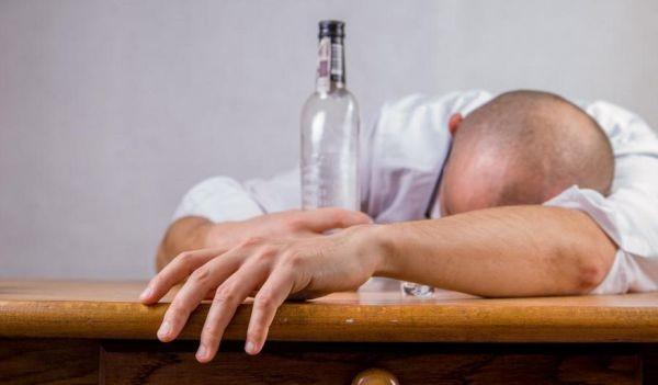 Канадският лекар и бивш барман Шонеси Бишоп-Стол прекарал десет години