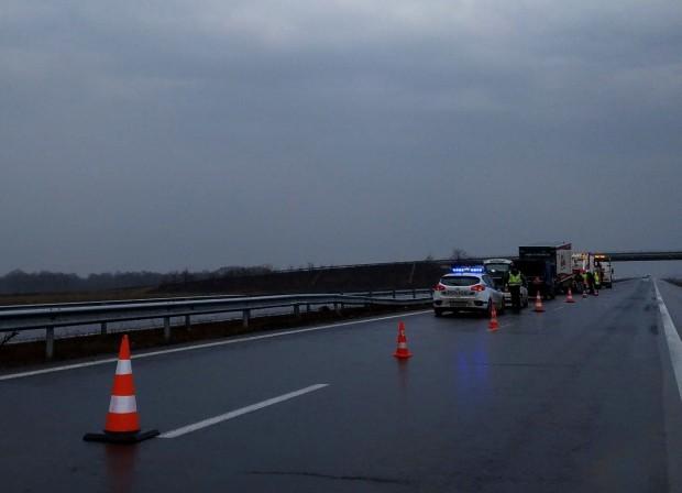 Burgas24.bg виж галерията Лошото време доведе до катастрофа на АМ