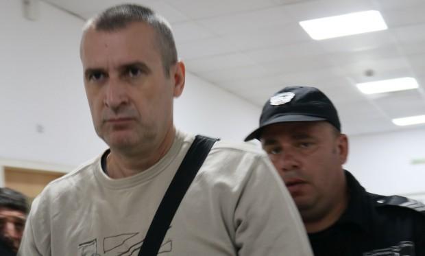 Венцислав Караджов, бившполицайот Икономическа полиция и настоящ подсъдим, даде ексклузивно