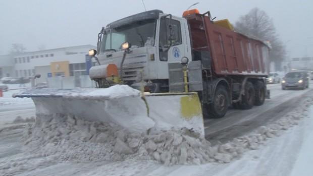 bTV Снегопочистваща машина се е преобърнала в района на местността Черна